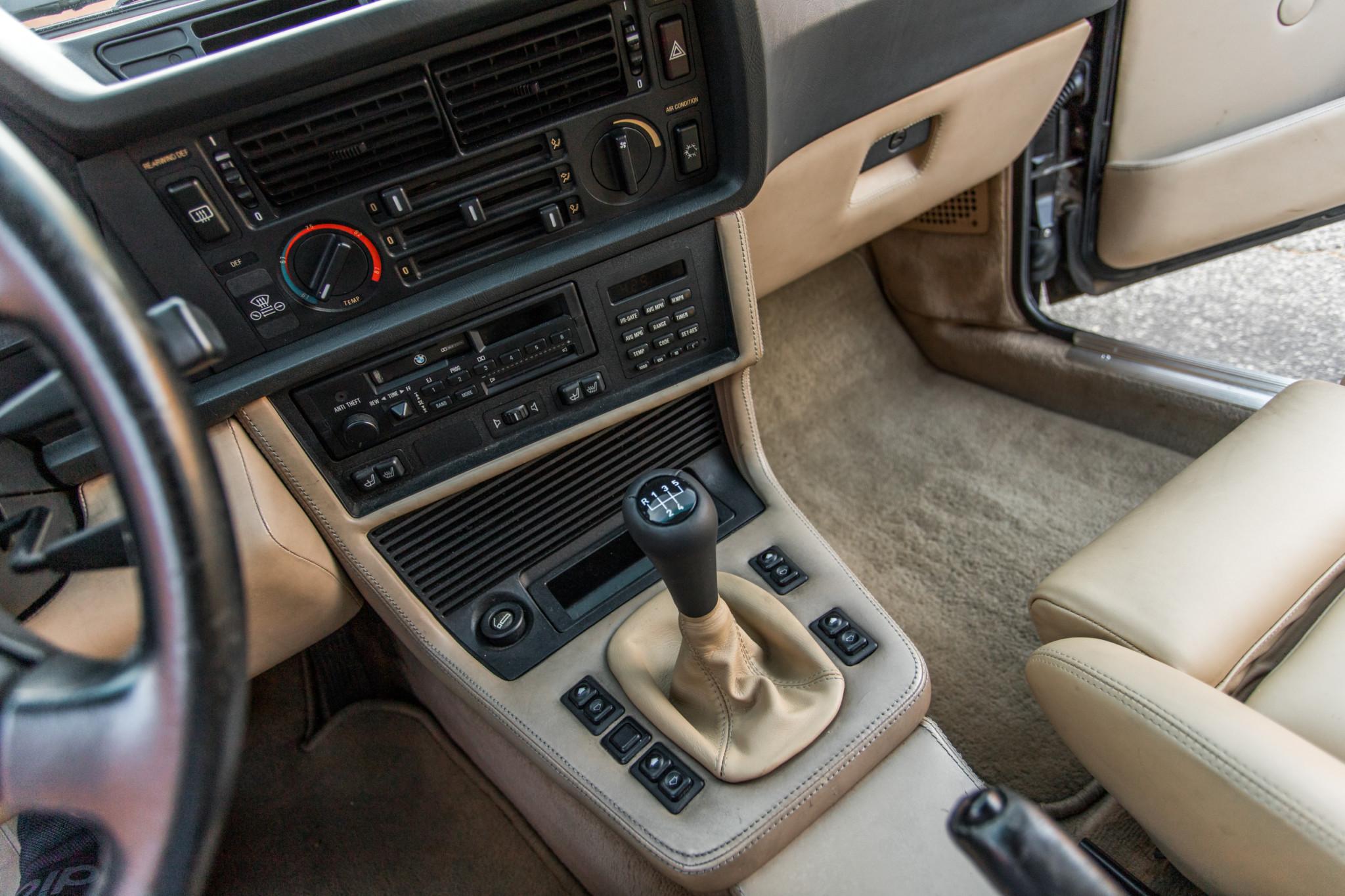 1988 bmw M6 kent classic cars (52).jpg