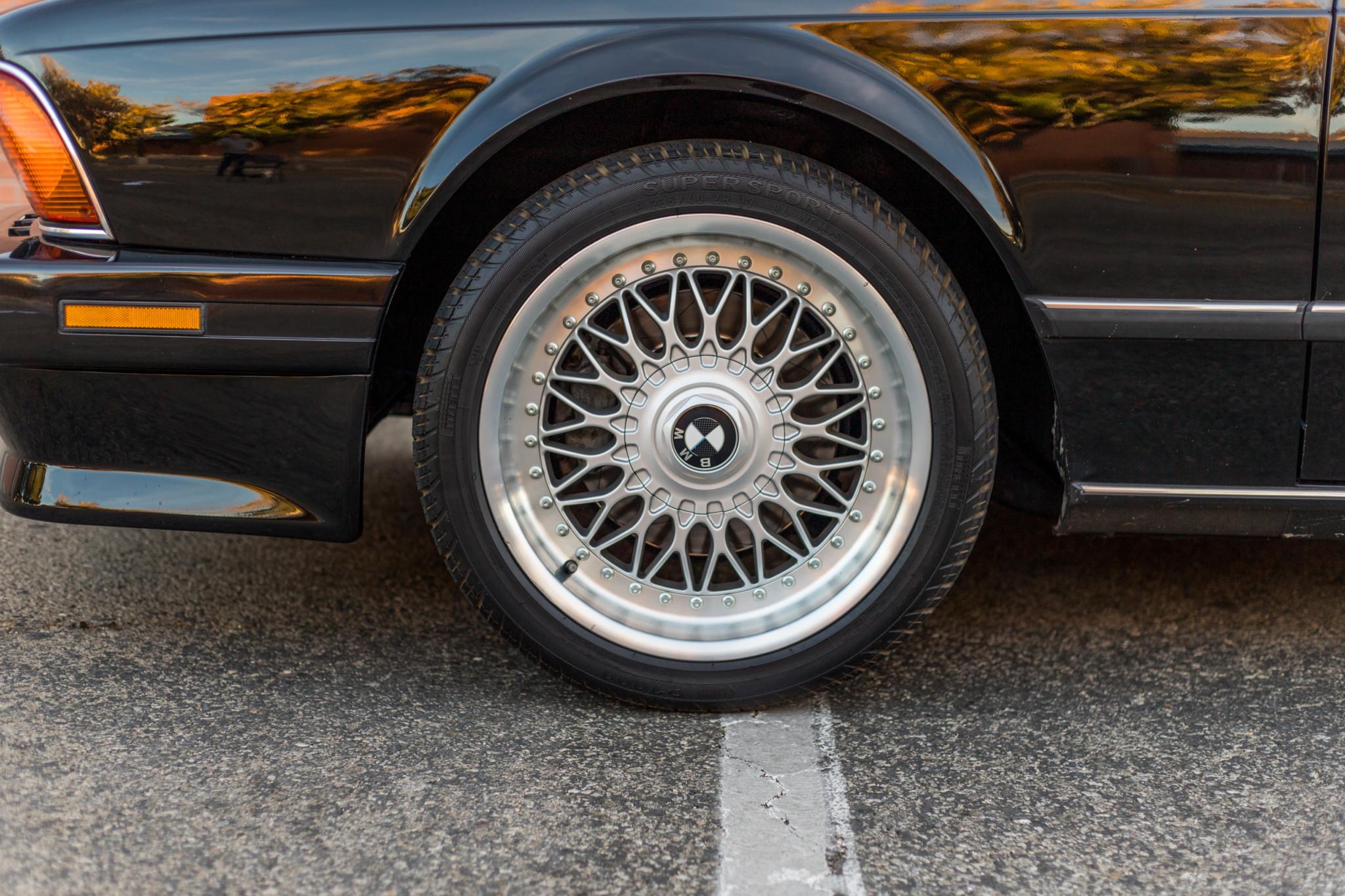 1988 bmw M6 kent classic cars (39).jpg