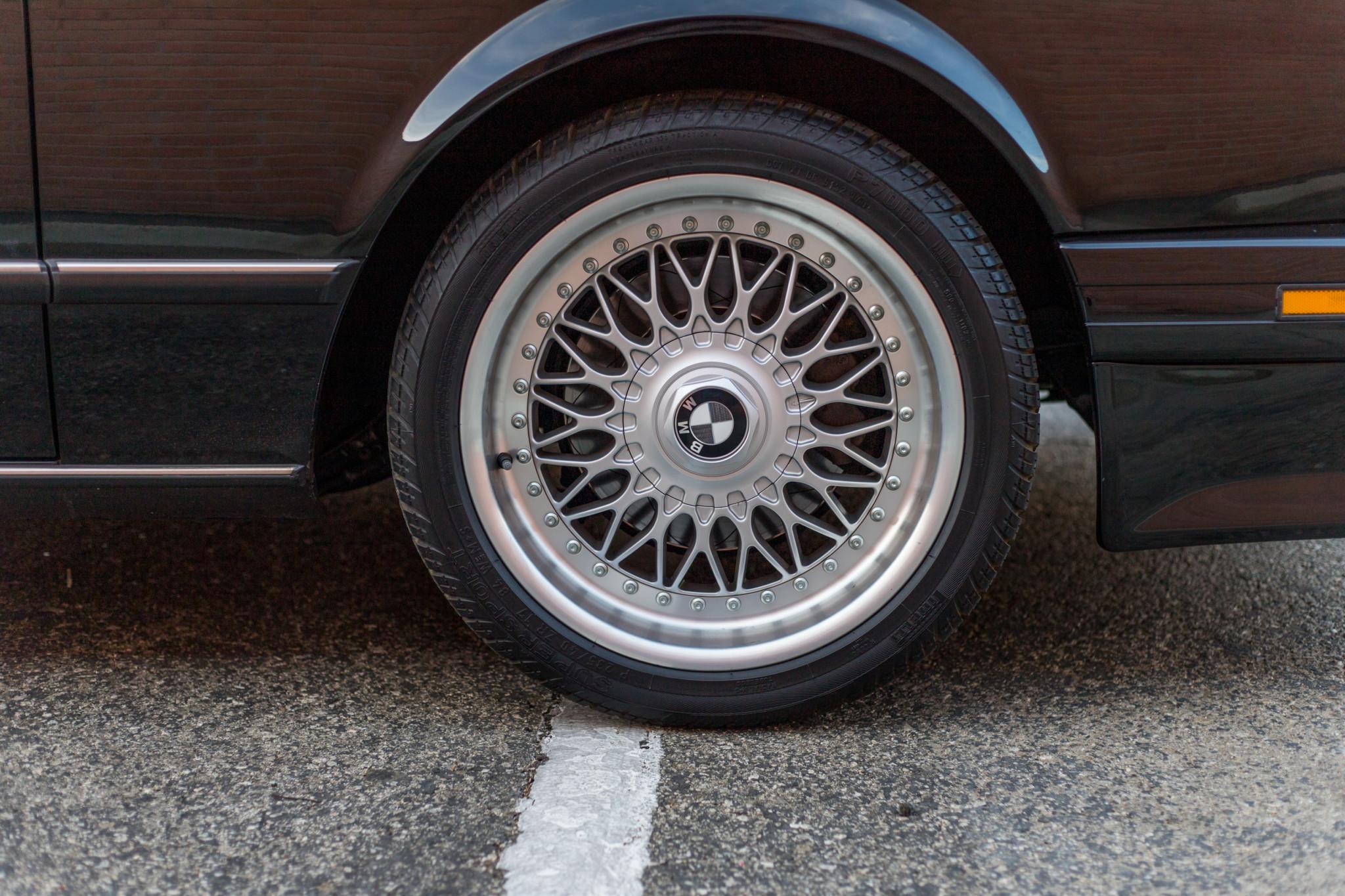 1988 bmw M6 kent classic cars (40).jpg