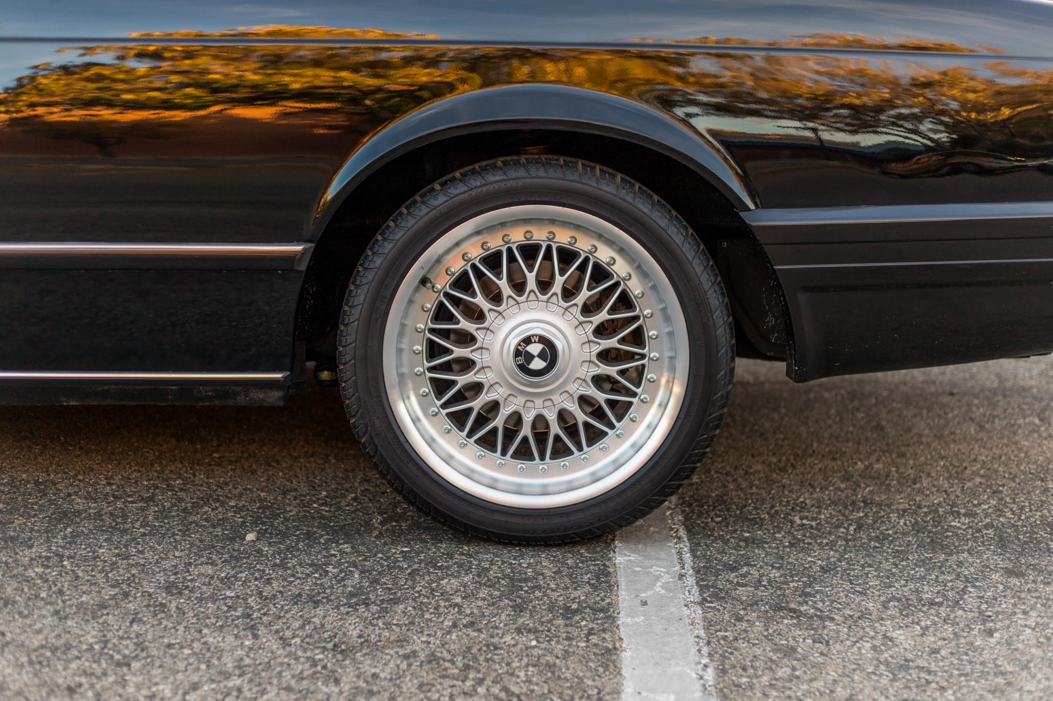 1988 bmw M6 kent classic cars (41).jpg