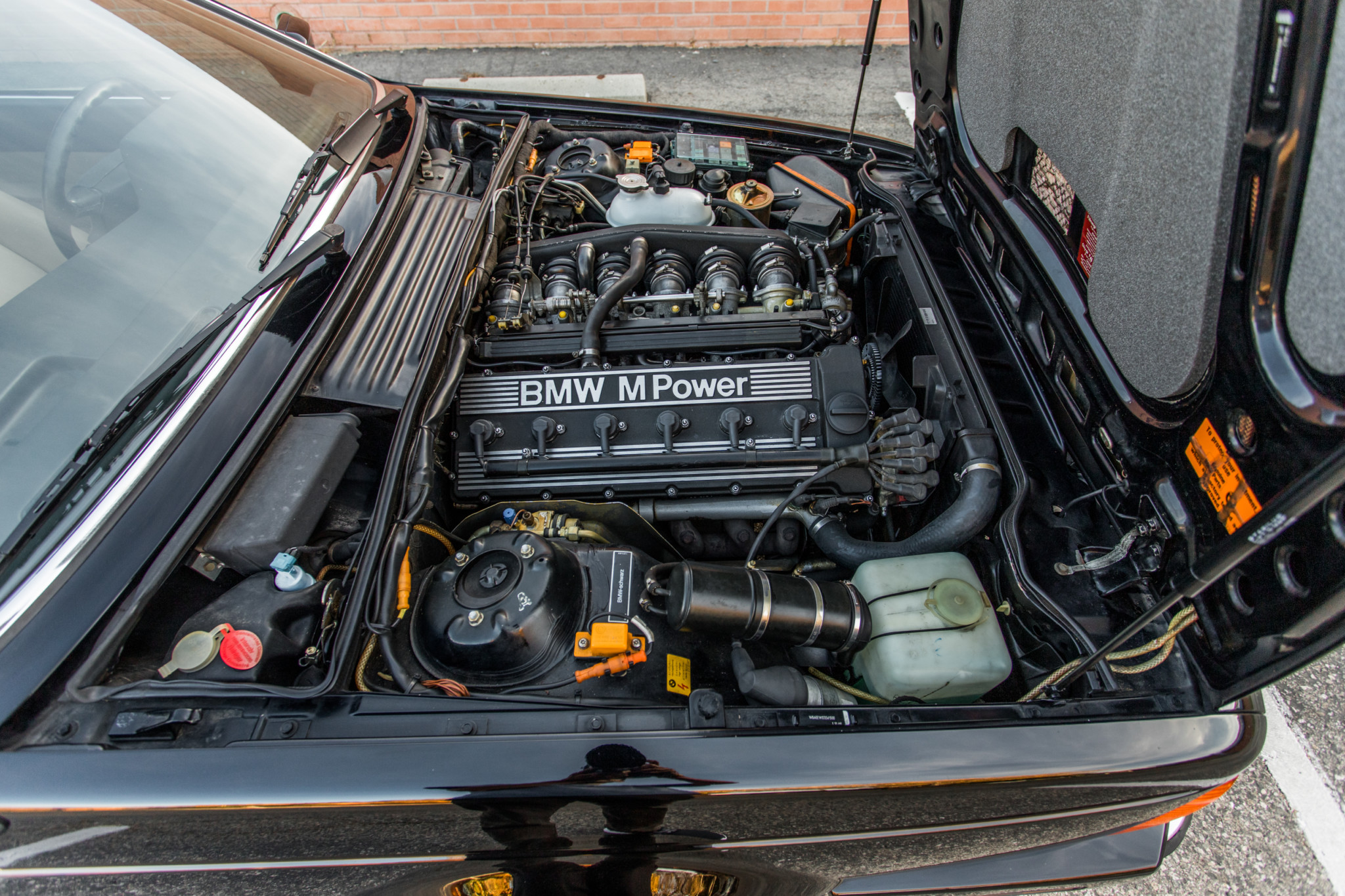 1988 bmw M6 kent classic cars (82).jpg