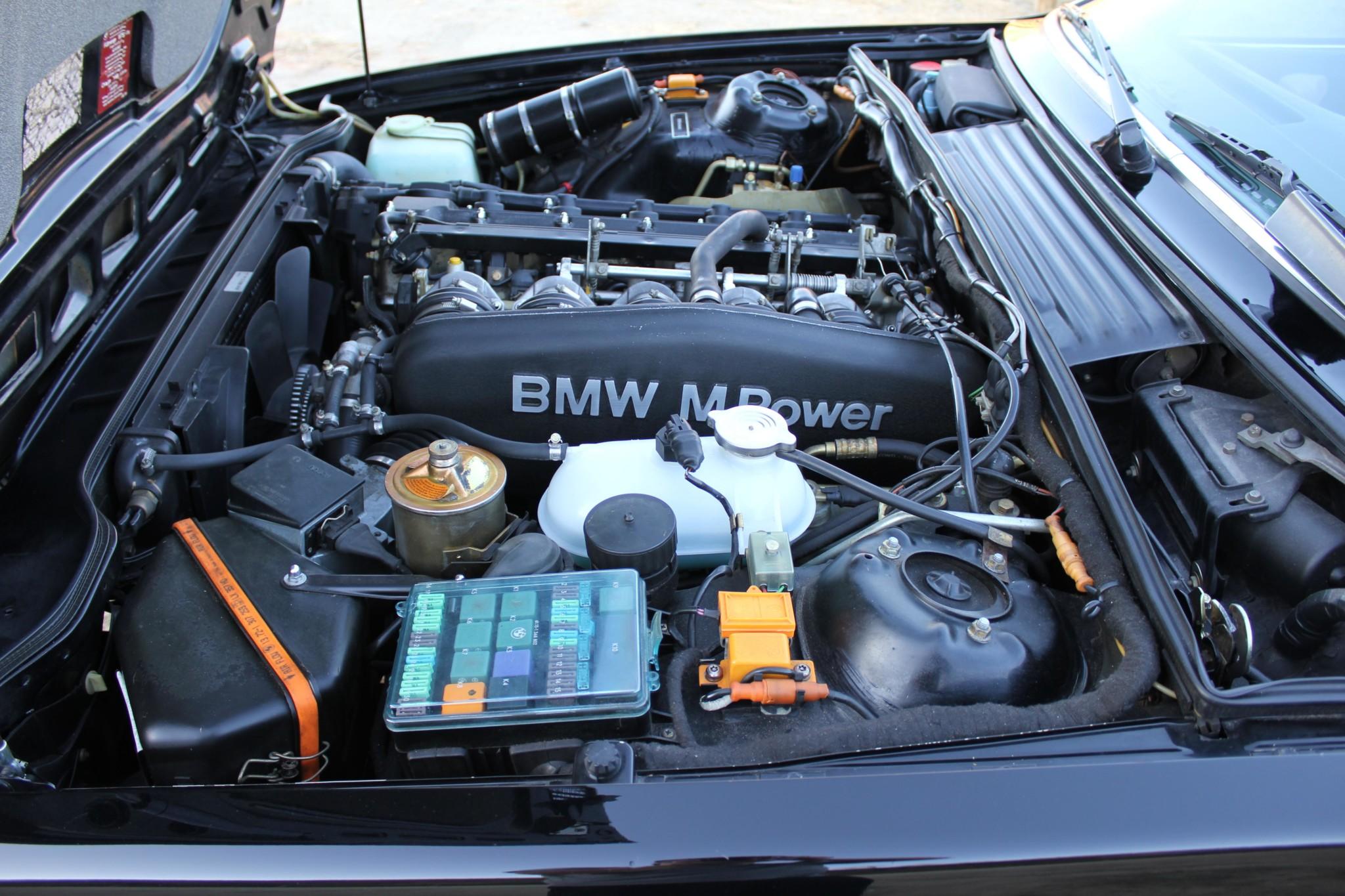 1988 bmw M6 kent classic cars (80).jpg