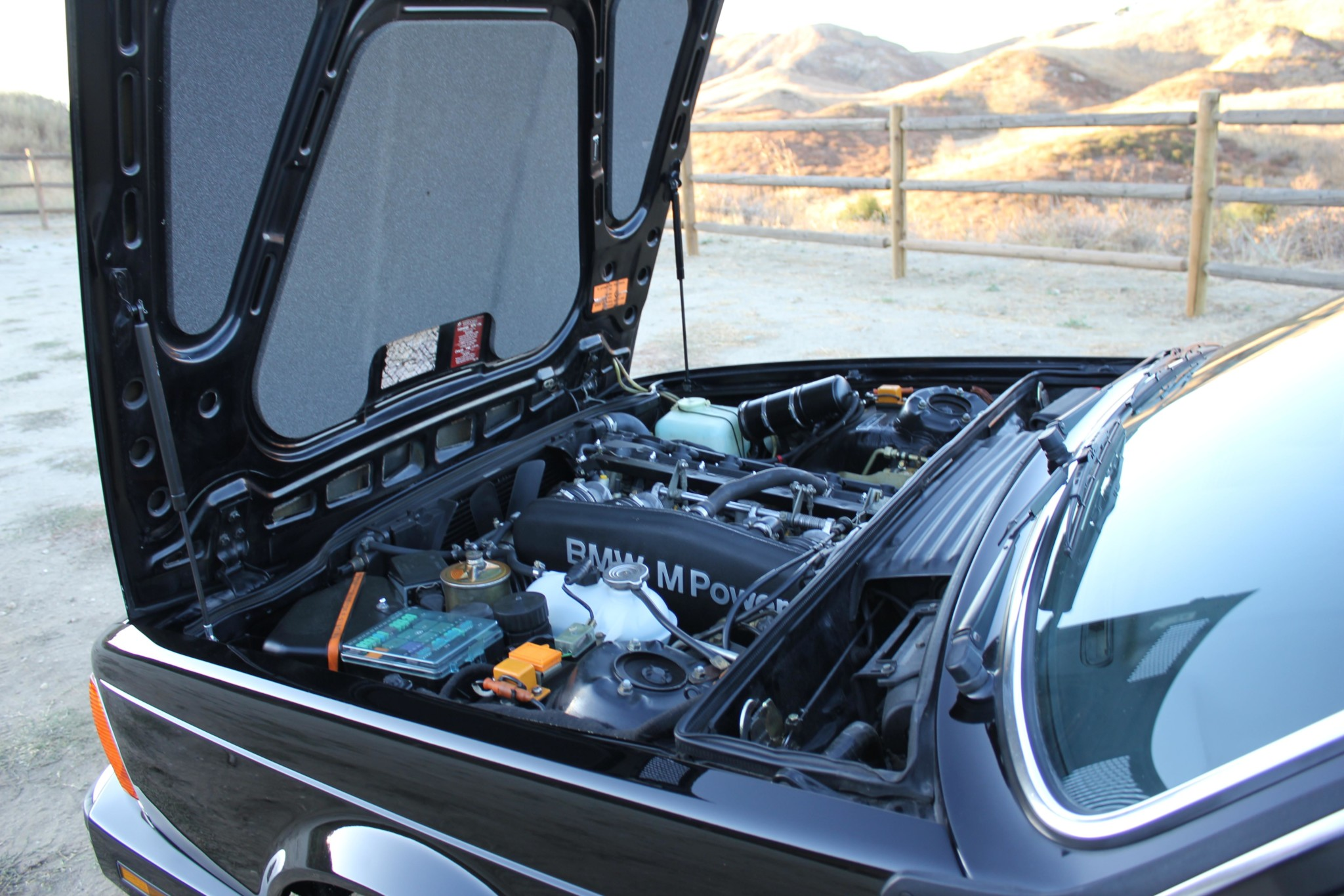 1988 bmw M6 kent classic cars (79).jpg