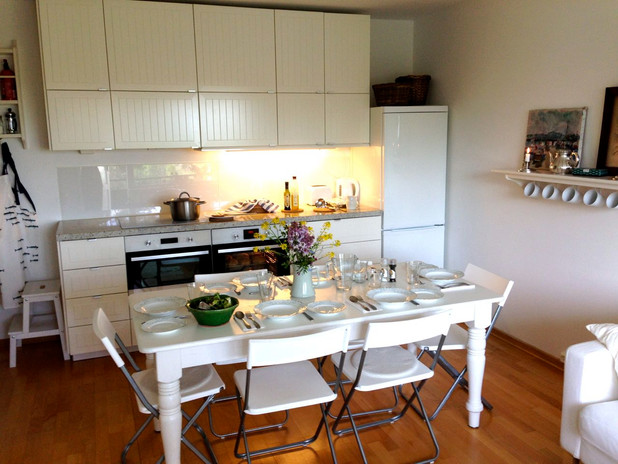 Good space for guest dinners
