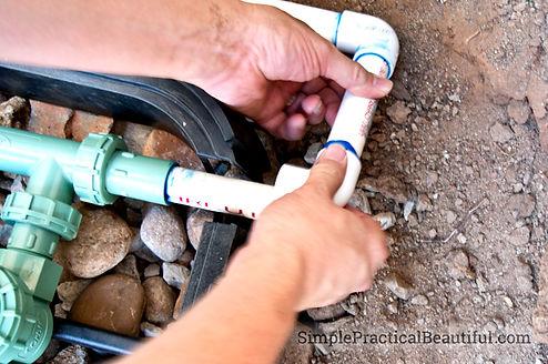 handyman working in Norfolk Virginia on plumbing services