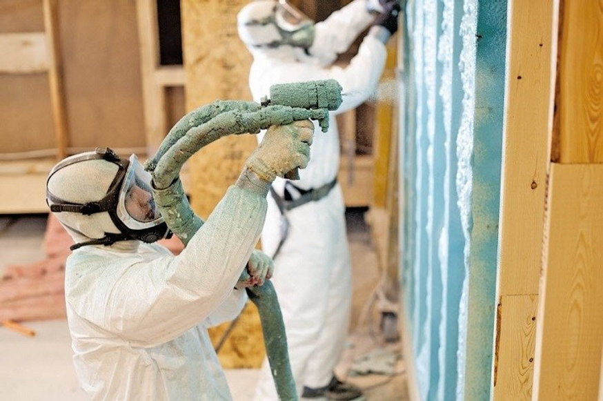 Copy of insulation expert working on spr