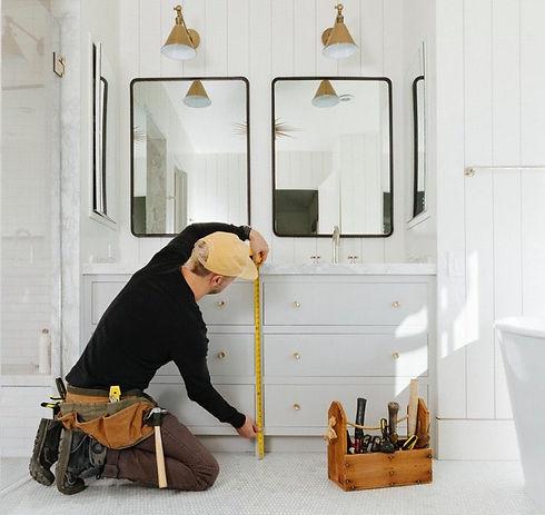 team of handymen working in Mobile Alabama  on bathroom remodeling services