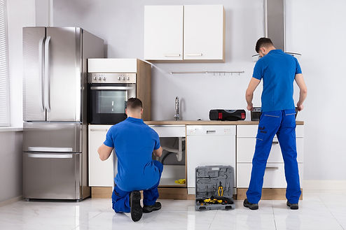 kitchen remodeling done by a team of handymen in Corona California