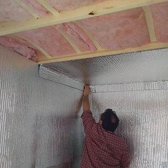 insulation expert working in Baltimore, MD on wall insulation services