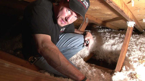 Indianapolis Indiana insulation expert working on attic insulation service