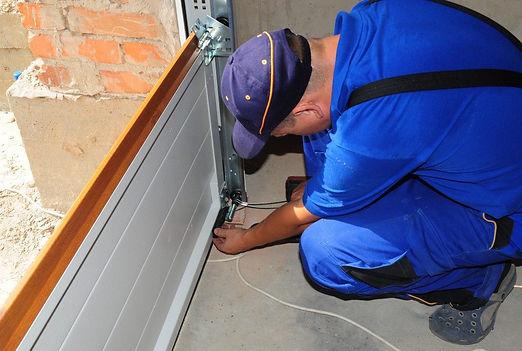 window and door insulation service work