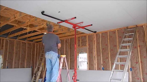 insulation expert working in Indianapolis Indiana on garage insulation service