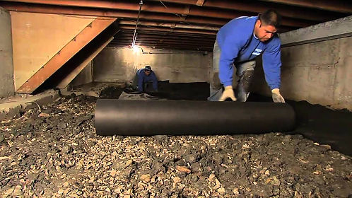 crawl space insulation service work done by a team of insulation experts in Indianapolis Indiana