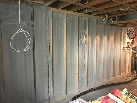 Indianapolis Indiana spray foam insulation service work being done by a team of insulation experts