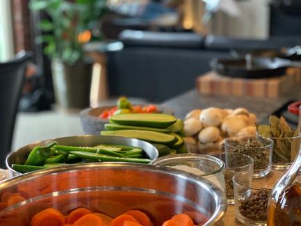 Pickled Vegetables and Jalapenos (Jalapeños & Verdura en Escabèche)