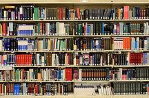 書籍棚/pixabay