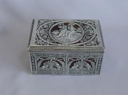 ilver box 3