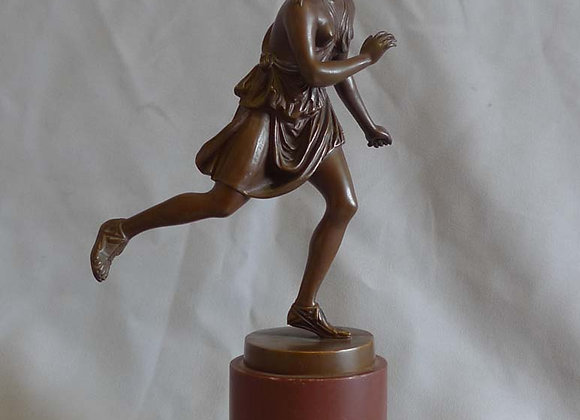Antique Grand Tour bronze of female athlete after the antique and signed Barbedi