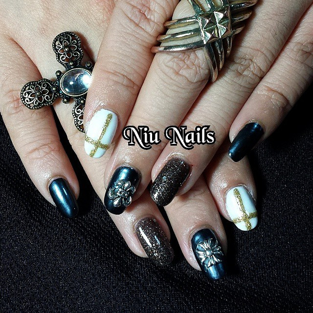 Swag your nails with Niu Nails and win a set of free gelish manicure worth S$45!