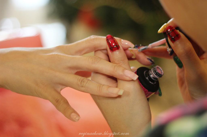 Blogger Regina's Nails - [ Niu Nails: Gelish Manicures In The Comfort Of Your Home ]