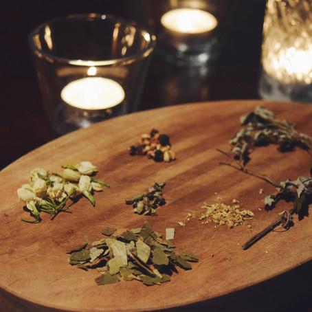 ようこそ、新月のお茶、満月のお茶。