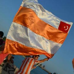 adana spor bayrak büyük asılmak