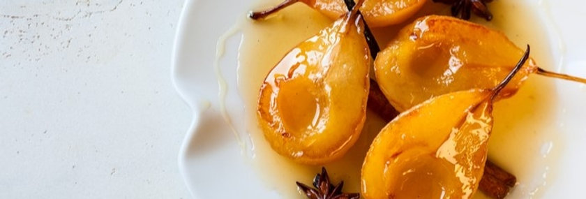 Poached Pears in Honey, Ginger and Cinnamon Syrup