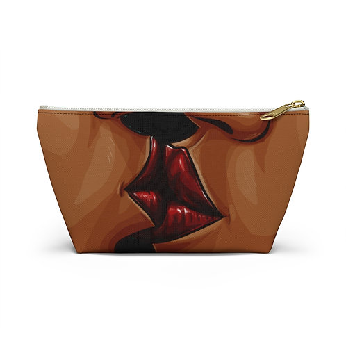 Lingering Accessory Pouch w T-bottom