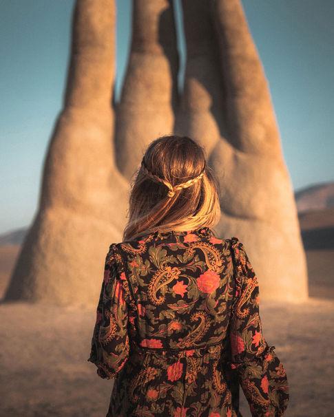 HAND IN THE DESERT
