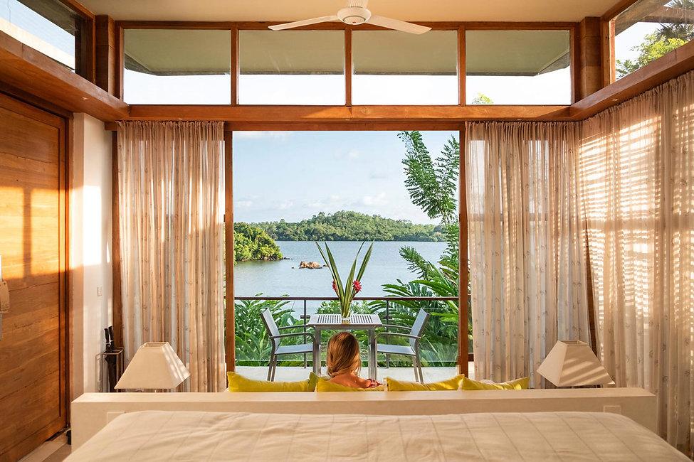 Room-interior-tri-lanka-hotel.jpg