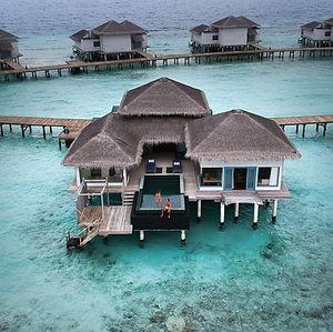 RAFFLES-MALDIVES-AN-ISLAND-PARADISE-FLOT