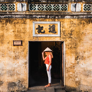 oi-An-Ancient-Town-2 days-Vietnam-Woman-