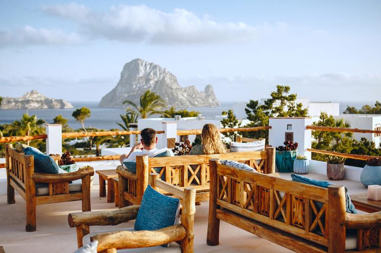 La-Mesa-Escondida-Cala-Carbo-Ibiza-Galle