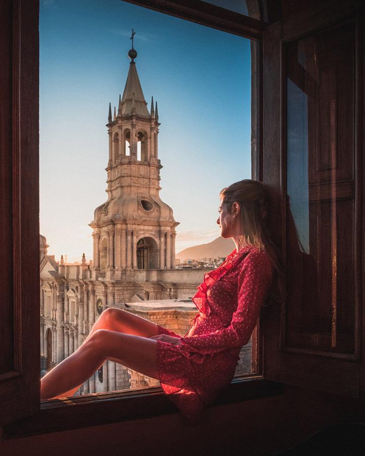 anastasia-arequipa-window-sill-church