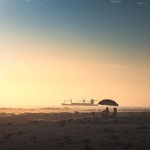 iquique-beach-chill-umbrella.jpg