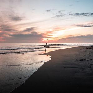 Arugam-Bay-Sri-Lanka-Surfing.jpg