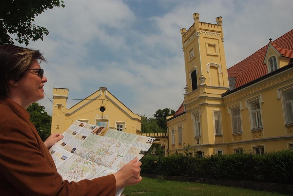 K1600_Nexing Schloss seymann.JPG