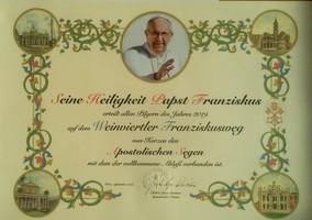 Päpstlicher_Segen_für_Franziskusweg_Wein