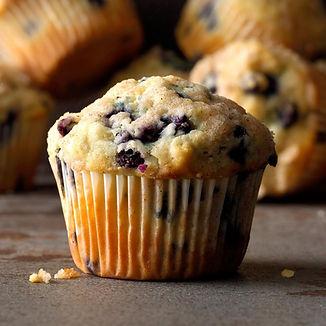 Wild-Blueberry-Muffins_EXPS_FTTMZ19_787_
