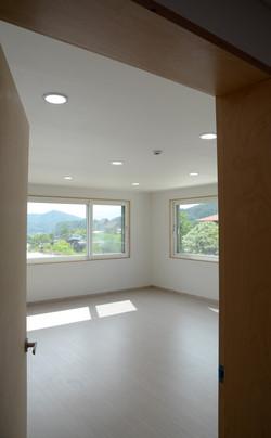 Wide-window