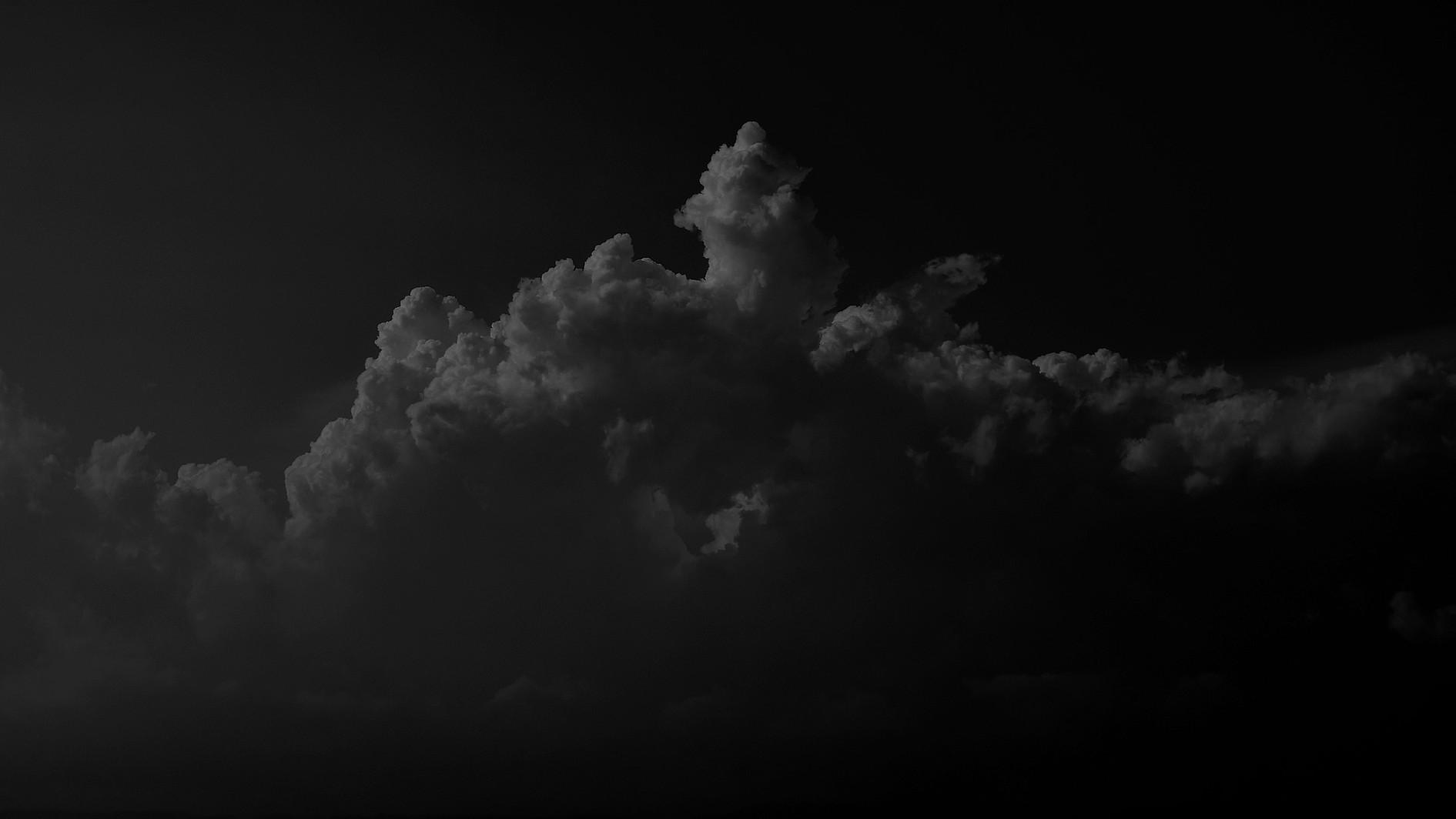 clouds-3407028_1920_edited_edited.jpg