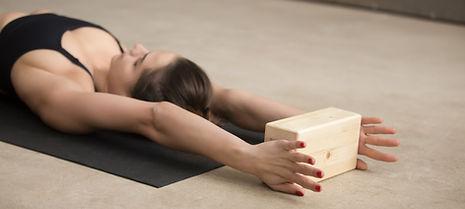 Stretch mit Block