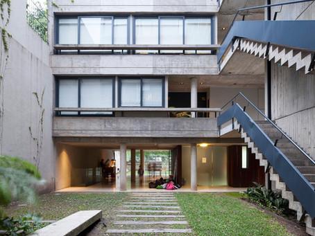 Edificio Acuña de Figueroa / Estudio Abramzon + Estudio ZZarq
