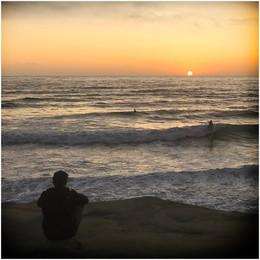 ADV_Sunset Surfers_866186.jpg