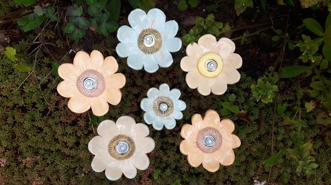 Bloemen van keramiek, als workshop of kant en klaar te koop