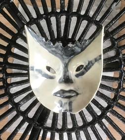 Masker, keramiek, handgevormd