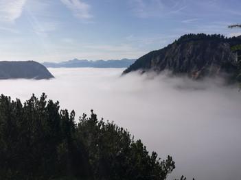 Dachsteinplateau - Ennstal im Nebel