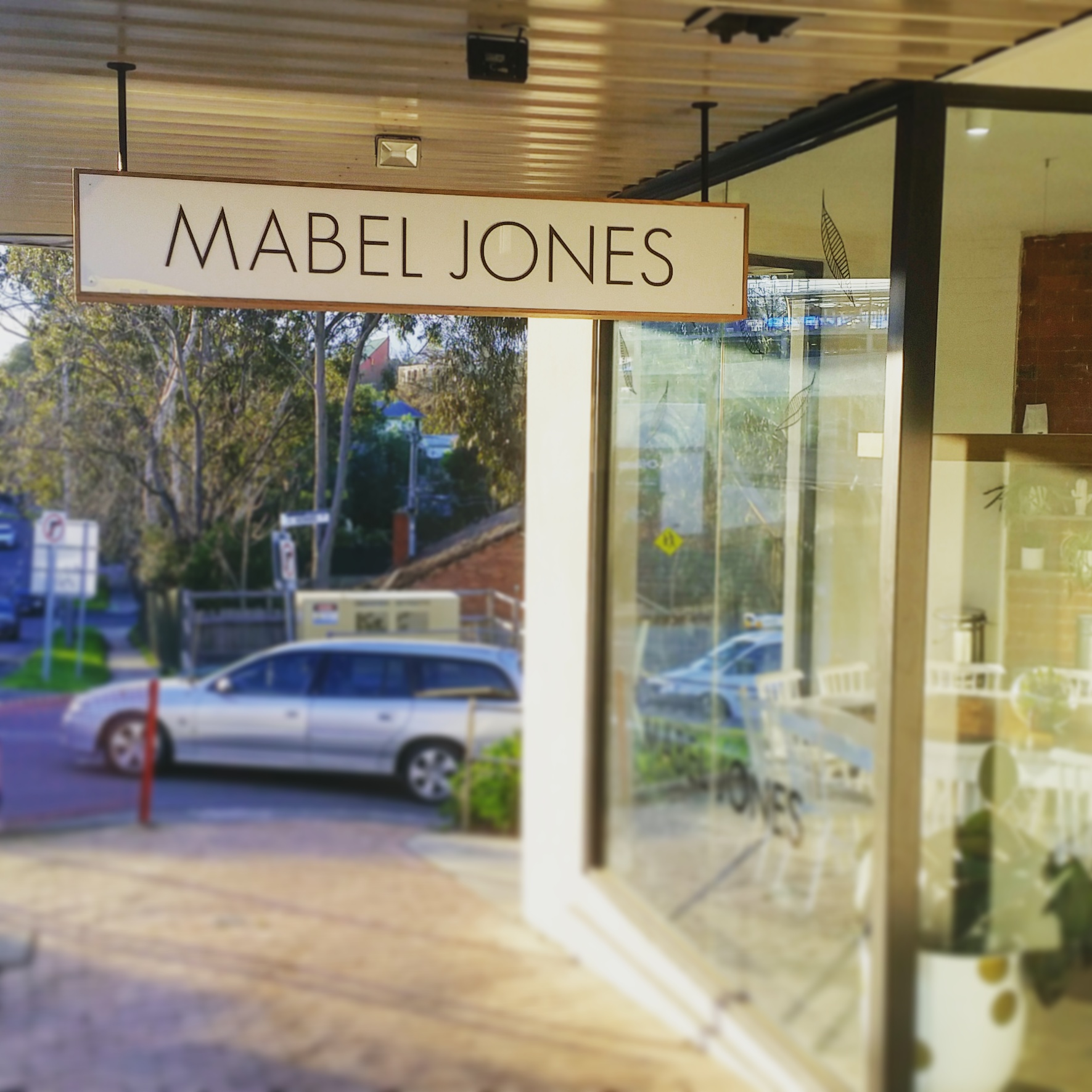 Mabel Jones Cafe signage