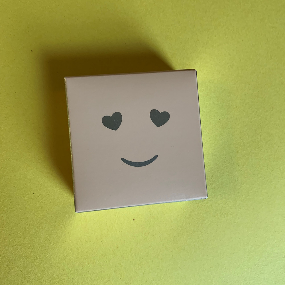 Base em pó Hello Happy Velvet Benefit Cor 4