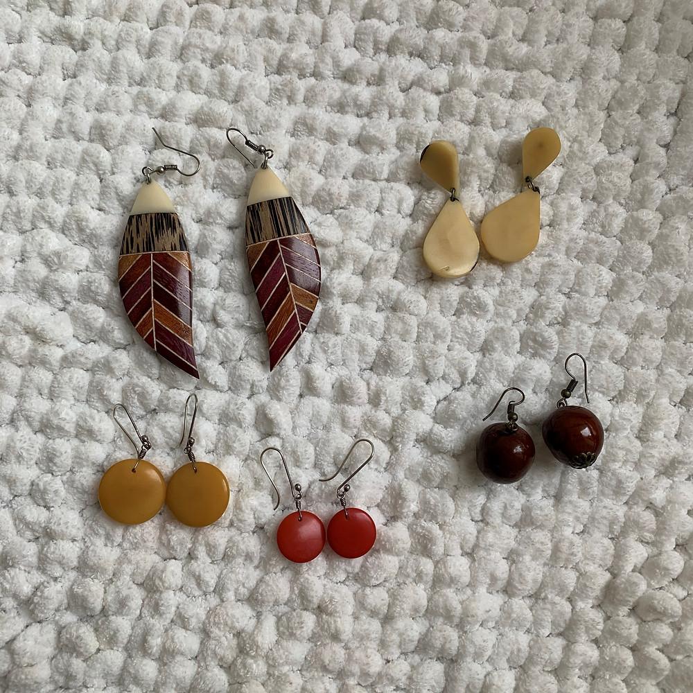 Minhas bijoias de jarina [marfim vegetal]